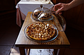 Serving fig tart