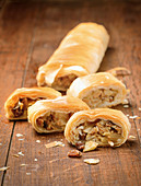 Apple strudel with almonds and raisins