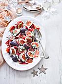 Feigen und Serranoschinken mit Roquefortsauce zu Weihnachten