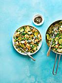 Pilaw mit Hühnchen, Zucchini und Blauschimmelkäse