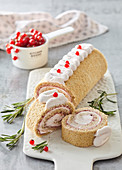 Roulade with currant cream