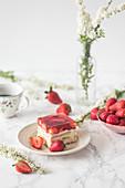 Strawberry and cream no bake cake