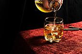 Whisky einschenken