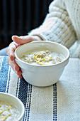 Quinoa porridge with lemon