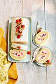 Erdbeer-Biskuitrolle