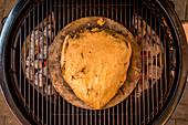 Porterhouse-Steak in der Salzkruste grillen