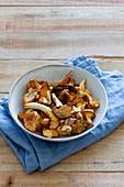 Bowl with fresh mushrooms