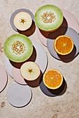 Galliamelone, Apfel und Orange - halbiert