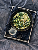 Lemon pasta with spinach and a creamy sauce