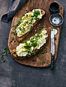 Country bread with Erdäpfelkas (potato salad spread), egg and cress