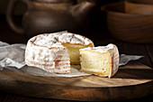 Brie cheese, sliced