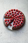 Raspberry cake with dark chocolate (sugar-free)