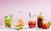 Verschiedene alkoholfreie Cocktails