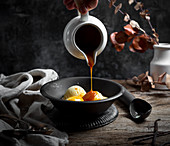 Vanilla Icecream with salted caramel sauce