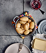 Jacket potatoes with butter