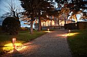Park und Gebäude, Domaine de Baronarques, Limoux, Languedoc, Frankreich