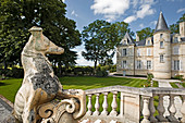 Park and castle building, Chateau Pichon Comtesse de Lalande, Pauillac, Bordeaux, France