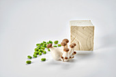 Fresh soya beans, tofu and king trumpet mushrooms