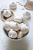 Cinnamon meringue