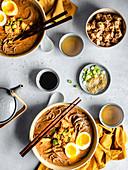 Ramen-Bowls mit Tofu (Japan)