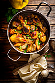 Oriental chicken with quince and cinnamon