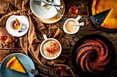 Kaffeesorten mit Kuchen