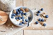 Quark muesli with blueberries and walnuts
