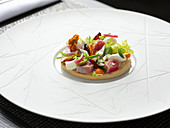 Friselle with tuna, anchovy and vegetables