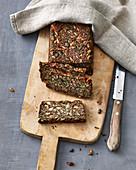 Seeded bread with psyllium husks and hemp seeds (vegan)