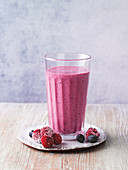 Berry buttermilk smoothie