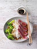 Sushi bowl with broccoli and tuna fish