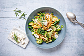 Grüne Gemüse-Pasta mit Ricotta