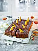 Sticky Toffee Pudding mit Birnen