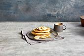 Easy vegan pancakes with banana
