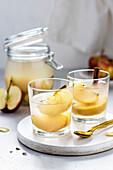 Apfelkompott mit Zimt