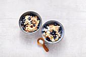 Wacker Method porridge with blueberries and banana (alkaline diet)