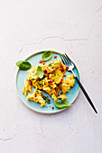 scrambled eggs with herbs and bacon