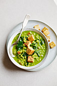 Spinach dhal with mung dhal lentils, spinach and tofu