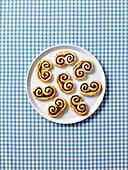 Date cinnamon swirls