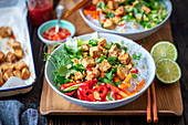 Glasnudelgericht mit Tofu und Gemüse (Vietnam)