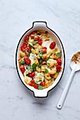 Gnocchi gratin with tomatoes and mozzarella