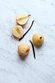 Pear in vanilla syrup