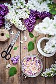 Raw cane sugar flavoured with fresh lilac flowers