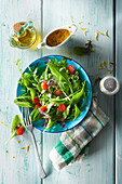 Gemischter Blattsalat mit Asia-Dressing