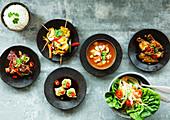 Auswahl an thailändischen Speisen