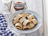 Crispy rolls with damson cheese