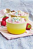 Frozen strawberry yoghurt with mini marshmallows