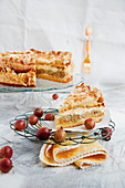 Gooseberry cake with meringue topping