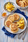 Kleine Apfelpancakes