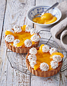 Apricot-curd tartlets